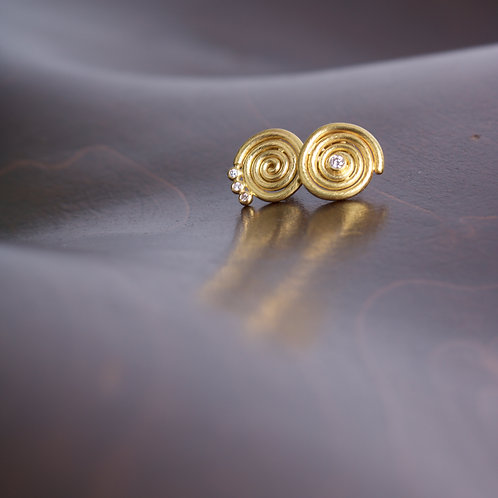 Gold Swirl Earrings (06044)