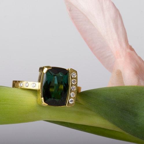 Green Tourmaline Diamond Ring (01838)
