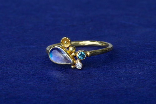 Moonstone Diamond Ring (02457)