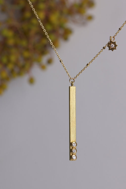Gold bar and Charm Necklace (06069)