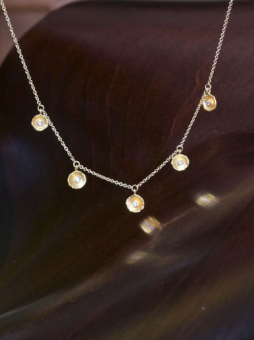 Gold Dish Necklace (06897)