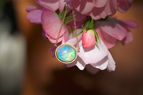 Opal and Gold Necklace (05381)