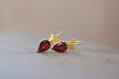 Garnet Earrings (06742)