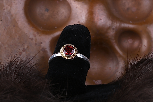 Garnet Ring (04524)
