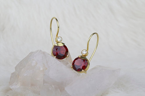 Garnet Gold Earrings with Diamonds (03185)