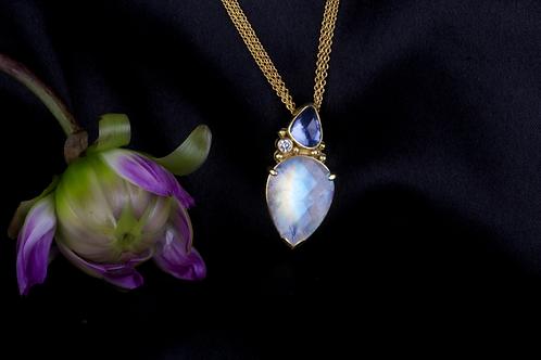 Moonstone Sapphire Pendant (04357)