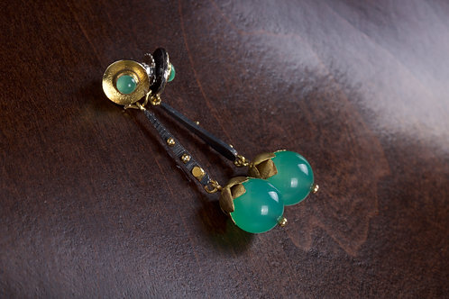 Chrysoprase Hanging Earrings (05037)