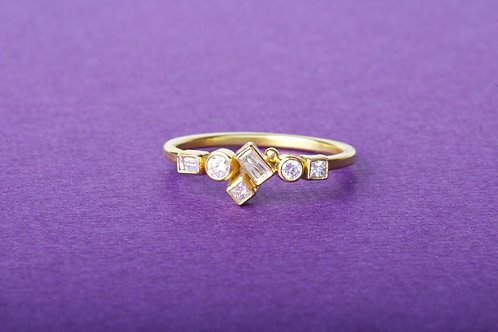 Diamond Ring - 6 Diamonds (02314)