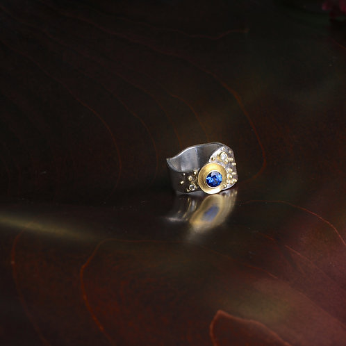 Sapphire and Mixed Metal Ring (06952)