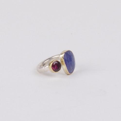 Tanzanite and Garnet Ring (04747)