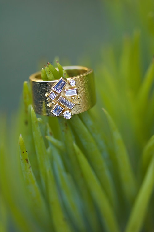 Diamond and Gold Ring (05355)