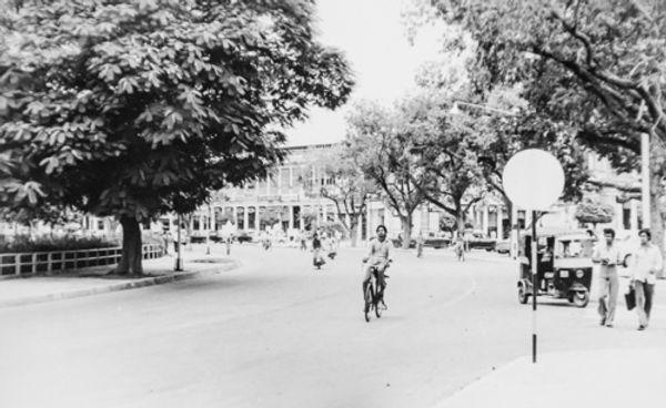Delhi Centre 1976