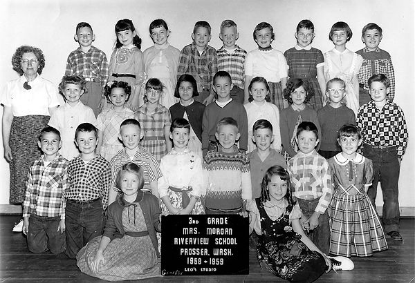 Riverview 3rd Grade Mrs. Morgan.jpg