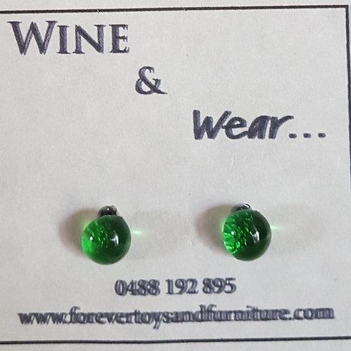Wine & Wear Stud Earrings 6mm