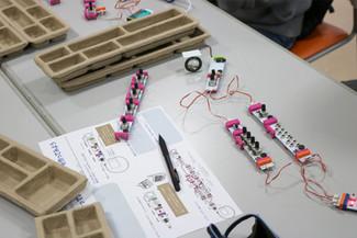 スペシャルプログラム 〝littleBits SYNTH KIT″ を使って「自分だけの楽器、自分だけの曲を作ろう!」