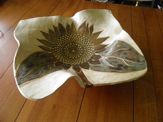 SOLD OUT!!Large Sunflower Rippled Bowl
