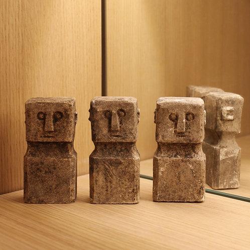 Small stone statue per piece