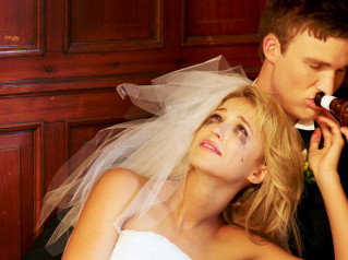 5 Reasons NOT to Have Your Wedding Reception Go All Night Long