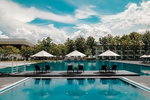 Resort.jpg