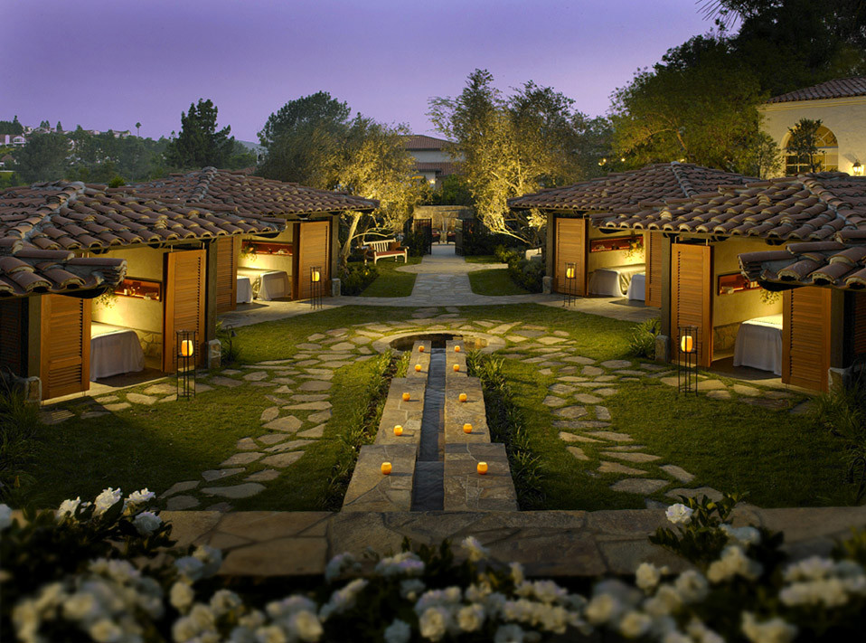 Outdoor Spa Garden