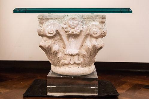 Coppia di capitelli in pietra bianca, fine '800