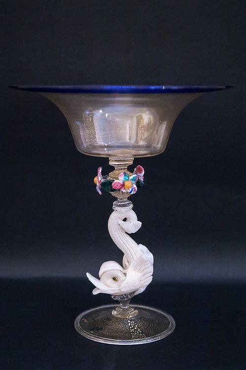 Bicchiere in vetro soffiato di Murano con stelo a tritone e bordo in lattimo