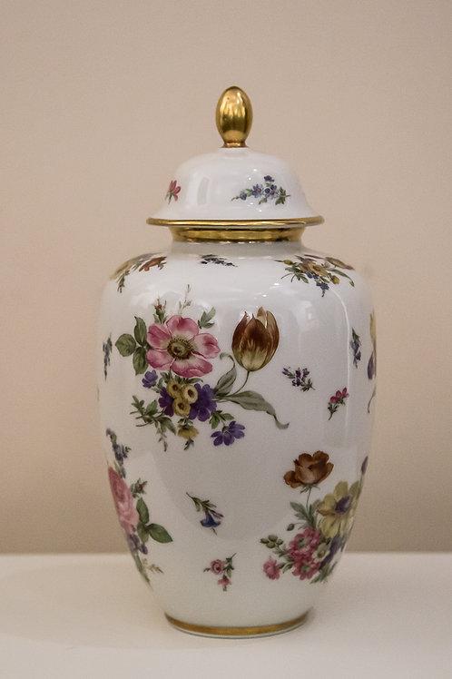 HERTEL JACOB Bavaria Germany - vasetto bianco a potiche con fiori, metà 900