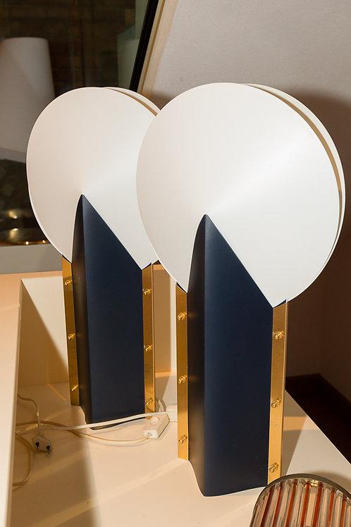 Coppia di lampade blu e bianche da tavolo