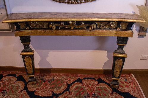 Imponente consolle caminiera Luigi XIV, italiana, scolpita,dorata e marmorizzata