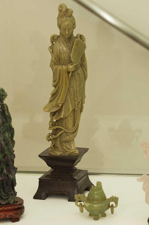 Splendida scultura in pietra dura scolpita a mano
