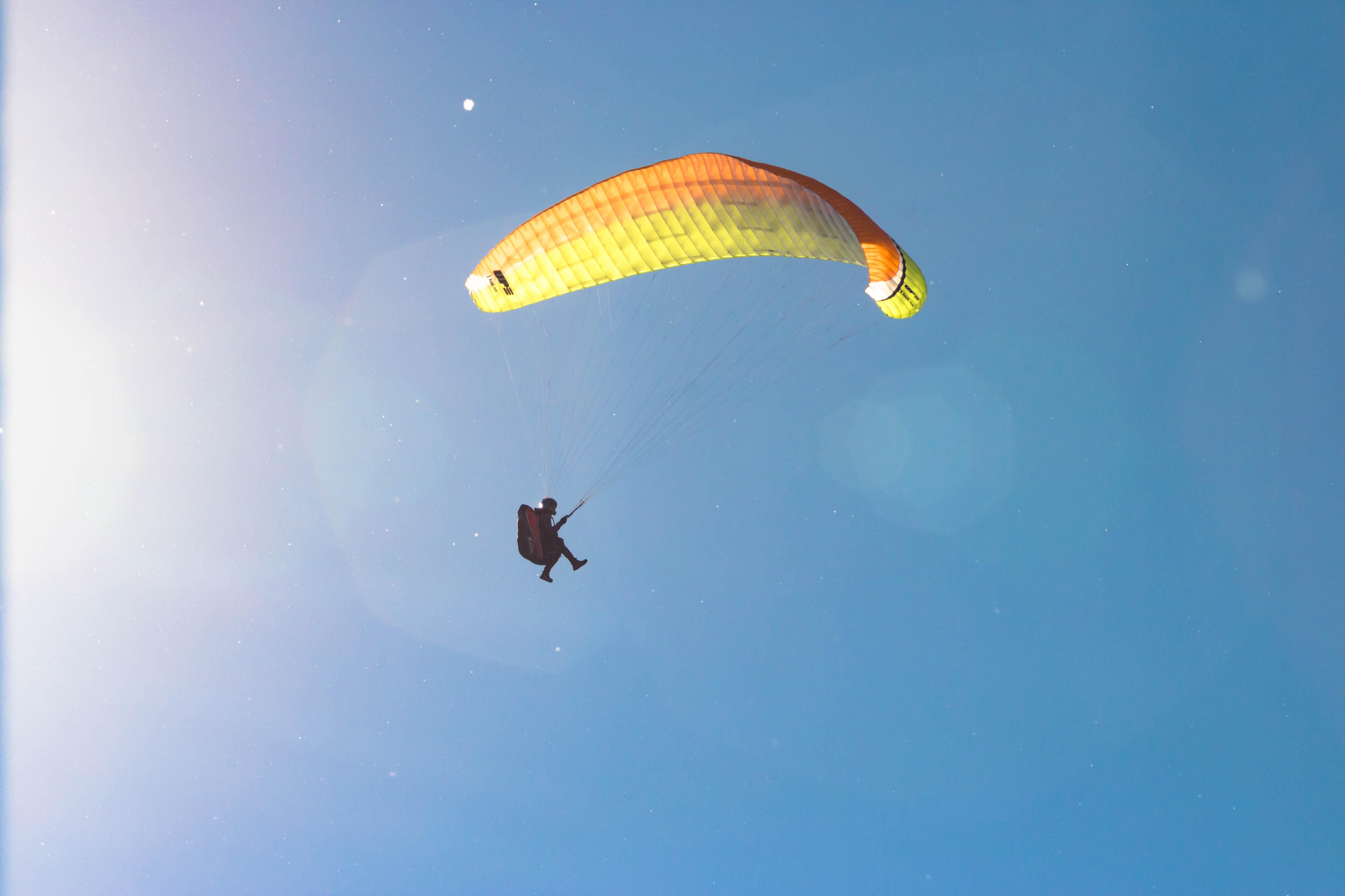 Paragliding Alaskan Skies