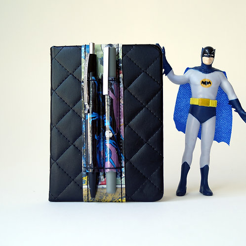 BATMAN Stifthalter *S* (DIN A6) DC Comic upcycling Unikat handmade in Berlin