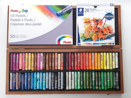 Different brands of oil pastels for students