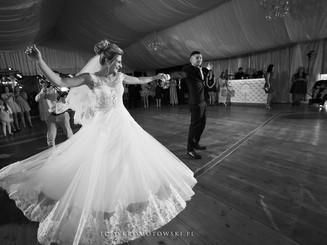 weselny taniec pod namiotem olecko