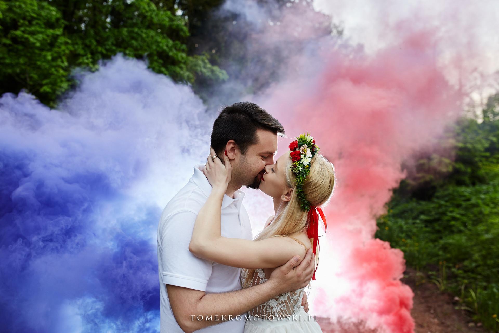 pocałunek w kolorach -fotograf Olecko