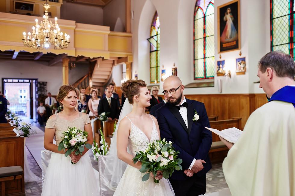 fotografia ślubna w Olecku kościół