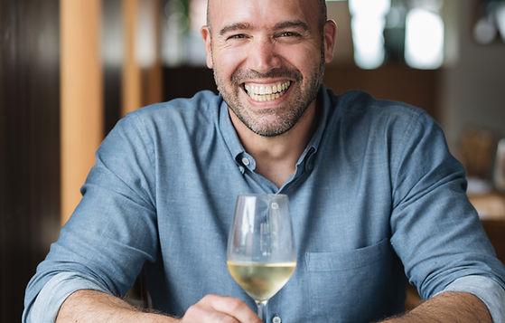 Stefano Faita lance une nouvelle gamme de vins 100 % bio - 3 propositions conviviales disponibles en épiceries