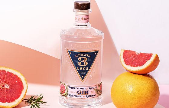 Nouveau gin au pamplemousse et au romarin biologique - Le deuxième né de la Distillerie 3 Lacs