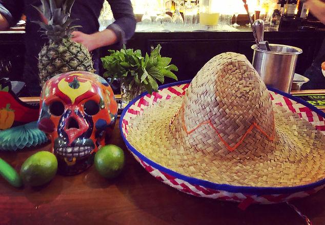Carlos & Pepe's bar