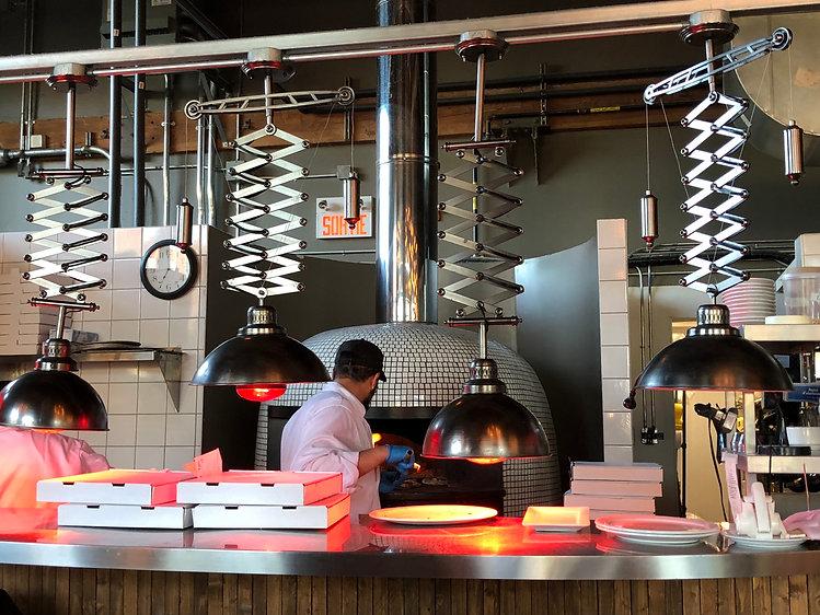 Pizzeria Caldo_Four à bois