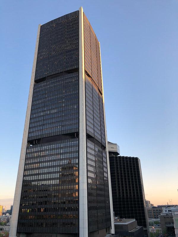 W Montréal - vue sur Tour de la Bourse