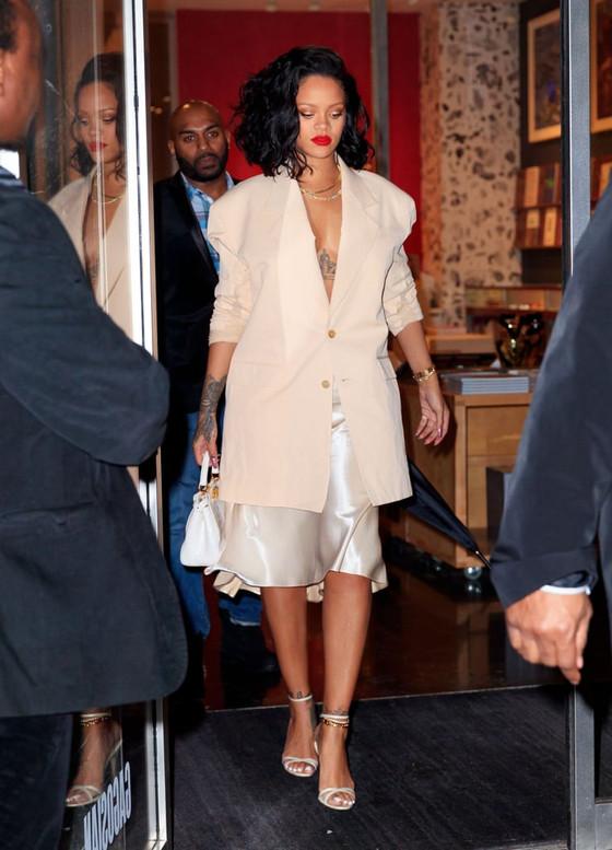 Rihanna In Sexy Slip Skirt
