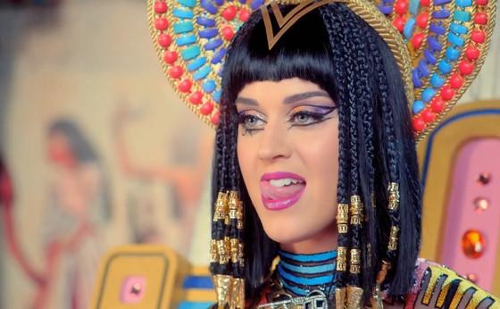 "Katy Perry's ""Dark Horse"" Stole From Marcus Gray's ""Joyful Noise"", Rules Court"
