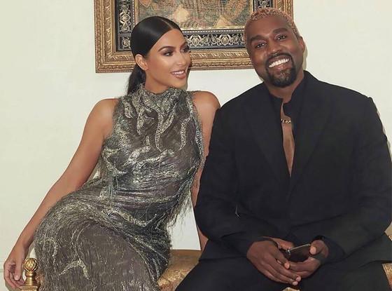 Kanye West, Kim Kardashian And Kids Visit Museum Together