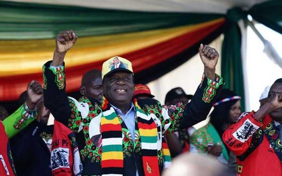 Zimbabwe's Mnangagwa Escapes Assassination Attempt