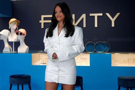 Rihanna's Fenty Fashion Brand To Shut Down
