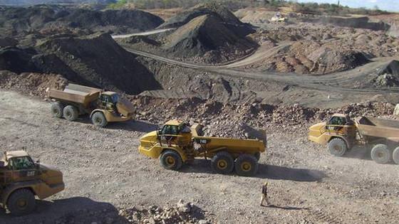 Zimbabwe To Build $200 Million Platinum Refinery