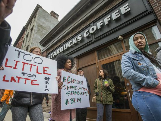 8 000 US Starbucks Cafés Closed For Racial-Bias Training