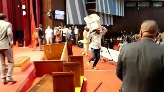 Big Fight Inside DRC's Parliament