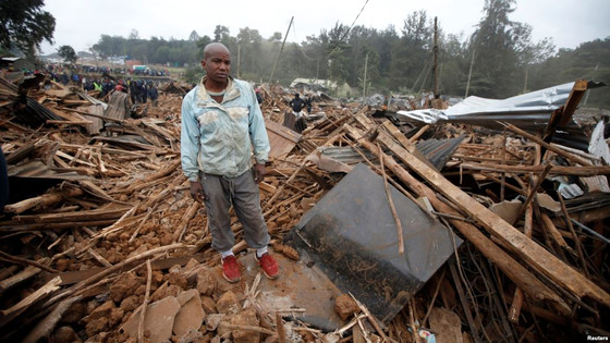 30 000 Made Homeless In Nairobi After Properties In Kibera Slum Are Bulldozed To Pave Way For Expres
